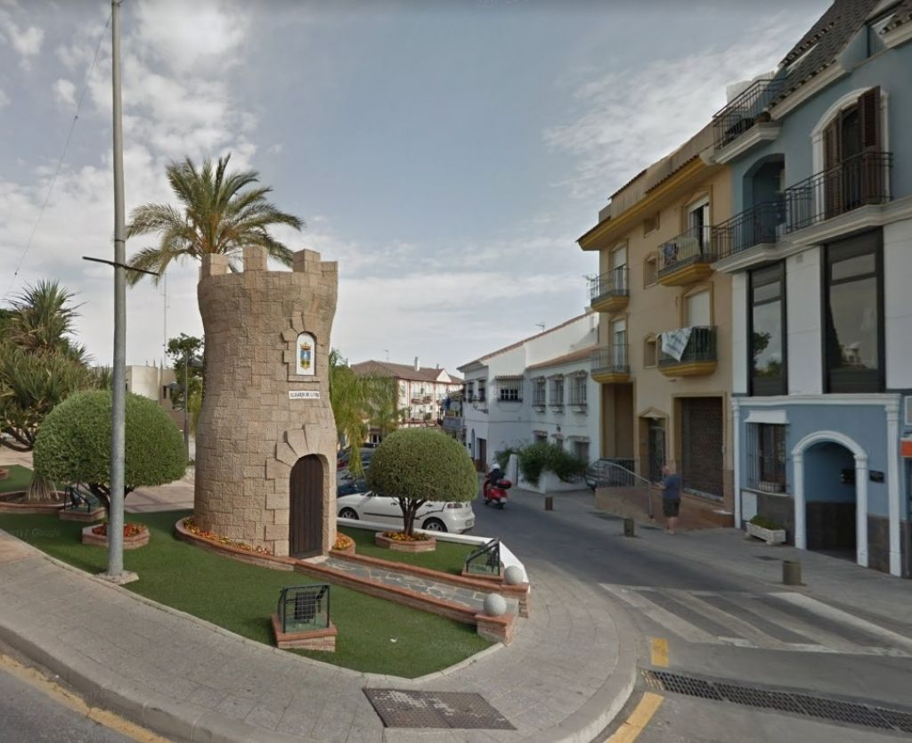 FANTÁSTICO LOCAL COMERCIAL EN CENTRO DE ALHAURÍN DE LA TORRE